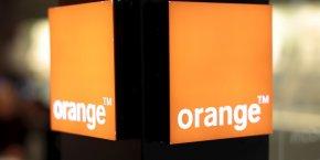 """Depuis deux ans, nous travaillons main dans la main avec les équipes d'Orange France pour créer une nouvelle stratégie de distribution de nos offres payantes. Ce partenariat conforte l'ancrage français de Deezer dont Orange reste un actionnaire important"""", a souligné Alexis de Gemini, directeur général de Deezer France dans un communiqué."""