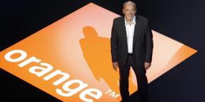 """L'accord consistera en """"une offre Fibre, à un prix exceptionnel, incluant des chaînes du bouquet CanalSat Panorama"""" pour les abonnés Orange."""
