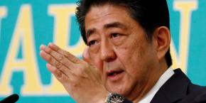 Au lendemain de la large victoire de sa coalition aux sénatoriales du 10 juillet, Shinzo Abe avait promis des mesures de relance avec des investissements importants pour les régions notamment.