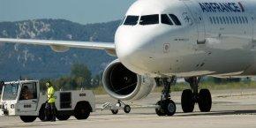 Dans un courrier envoyé aux autres syndicats d'Air France, le SNPL estimait que le projet recèle de nombreux dangers pour les salariés, quels qu'ils soient, dès lors qu'il prévoit la découpe de l'entreprise en appartements.