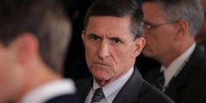 L'ancien général Mickael Flynn est au centre d'une polémique pour avoir évoqué avec des diplomates russes les sanctions visant Moscou, alors qu'il n'avait encore aucune fonction officielle.