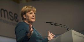 Angela Merkel a estimé que la BCE a une politique monétaire qui n'est pas orientée vers l'Allemagne mais plutôt adaptée au Portugal, à la Slovénie ou à la Slovaquie.