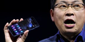 Richard Yu, un des dirigeants de Huawei, a présenté le P10 au Mobile World Congress de Barcelone.