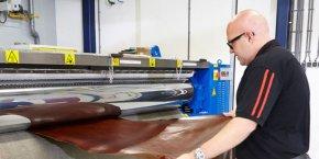 Stahl est un leader des traitements chimiques pour le cuir et les revêtements de haute performance, notamment pour l'automobile, l'ameublement et la mode.
