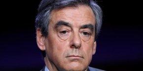 Plombé par les affaires, François Fillon n'en finit pas de perdre du terrain dans les sondages sur ses rivaux Macron et Le Pen.