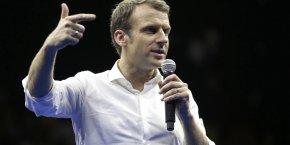 Donner plus de souplesse administrative à l'Île de la Réunion suppose une révision constitutionnelle, selon Macron.