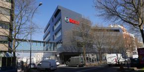 Le campus de Bosch France est relié au siège social via une plateforme. Le projet a coûté 20 millions d'euros et le chantier a duré 14 mois.
