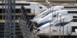 La sncf evalue a 250 millions d'euros le cout de la greve