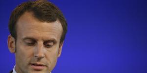 Emmanuel macron critique francois hollande et nicolas sarkozy