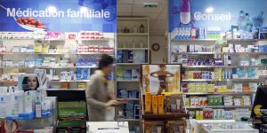 Une pharmacie avec des médicaments à Bordeaux, en septembre 2015