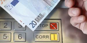 billets distributeur banque