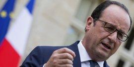 Le président de la République François Hollande devant la préfecture de Dijon le 23 juillet