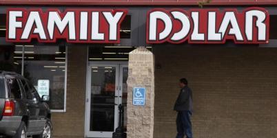 Family Dollar avait accepté fin juillet de se faire racheter par Dollar Tree pour 9,2 milliards de dollars dette incluse. Dollar General, actuel numéro un du secteur, qui risquait d'être détrôné par le nouvel ensemble, avait surenchéri en début de semaine avec une contre-offre non sollicitée de 9,7 milliards de dollars.