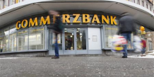 2010-05-06T060712Z_01_APAE6450H0200_RTROPTP_3_OFRBS-COMMERZBANK-RESULTATS-20100506.JPG