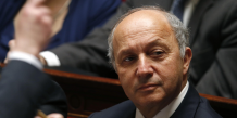 """""""La gauche réformiste n'a jamais eu pour objectif, que je sache, d'augmenter systématiquement les impôts ou de récuser la compétitivité !"""" a également affirmé Laurent Fabius."""