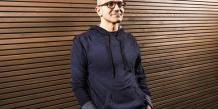 Satya Nadella, directeur général de Microsoft, est embarrassé après une gaffe jugée misogyne.