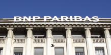 En 1999, deux banques commerciales, BNP et la Société générale, se disputent les faveurs d'une banque d'affaires, Paribas. REUTERS;