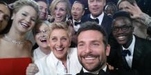 """Samsung aurait déboursé des millions pour que le """"selfie"""" soit pris avec un téléphone de la marque. (Photo : Ellen DeGeneres via Twitter)"""