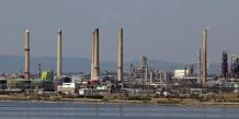 Montebourg fait pression sur LyondellBasell pour la raffinerie de Berre