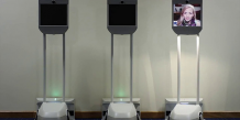 """Les robots commercialisés en France par Bruno Bonnell promette une """"téléprésence"""". (Crédits Beam)"""