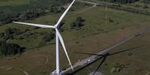 Les associations écologistes regrettent néanmoins que les énergies renouvelables ne soient pas davantage soutenues par rapport au nucléaire. /Reuters