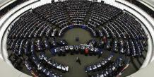 Le Parlement européen élit quatre commissaires intérimaires