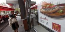 McDonald's est implanté en Russie depuis janvier 1990, la dernière année d'existence de l'Union soviétique. Son premier restaurant dans le pays, dans le centre de Moscou, est aujourd'hui l'un de ses plus fréquentés au monde.