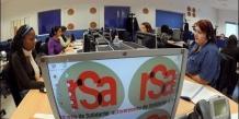 """Cette revalorisation du RSA """"socle"""", pour les personnes sans ressources concerne la métropole et l'outre-mer. Un couple sans enfant touchera 763,95 euros et un couple avec deux enfants 1069,53 euros à partir du 1er septembre 2014."""