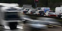 Renault progresse de 10,7% et PSA Peugeot Citroën de 9,8% par rapport à septembre 2013.