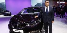 Carlos Ghosn, PDG de Renault, présente le nouvel Espace devenu un crossover et non plus un monospace.
