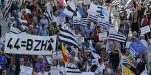 Samedi 27 septembre, près de 20.000 personnes ont manifesté à Nantes en faveur de la réunification et du rattachement de la Loire-Atlantique (44) à la Bretagne.