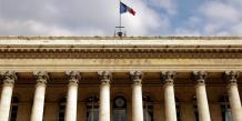 La Bourse de Paris revient dans le vert et se place à quelques encablures du seuil des 4.000 points qu'elle a abandonné cette semaine.