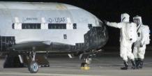L'armée américaine a fait atterrir vendredi sur la base aérienne Vandenberg, dans le centre de la Californie, son drone spatial secret X-37B, au terme d'une mission de vingt-deux mois