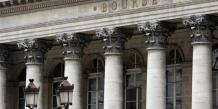 La Bourse de Paris accroît ses gains, touche les 4.400 points