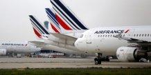 Air france-klm pourrait supprimer 5.000 postes
