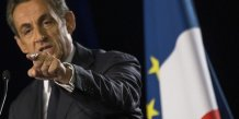 Sarkozy cherche a rassembler l'ump, attaque fn et ps