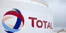 Total et les valeurs petrolieres en baisse a mi-seance a paris