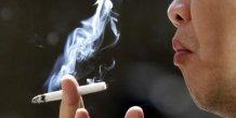 La cigarette interdite des l'ete dans les aires de jeux publiques