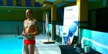 La nageur français Frédéric Bousquet le 7 juillet à la piscine Molitor de Paris lors du lancement de Withings Activité natation