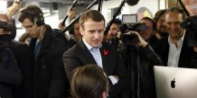 Le ministre de l'Economie Emmanuel Macron en octobre 2015 lors d'une visite de l'école 42 fondée par Xavier Niel (Free) (FrenchTech / French Tech)
