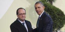 Francois hollande defend un accord contraignant a la cop21