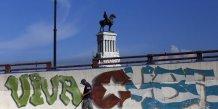 """Cuba signe un accord """"historique"""" sur sa dette"""
