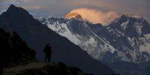 Deux alpinistes meurent en deux jours sur l'everest