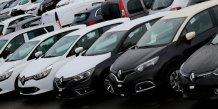 Le secteur automobile en tete des hausses a mi-seance