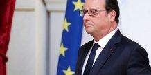 Le président de la République François Hollande quitte la scène après une déclaration à l'Elysée à Paris sur le Brexit le 24 juin 2016