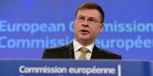 Valdis dombrovskis reprend le portefeuille du commissaire europeen britannique jonathan hill