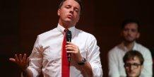 Renzi presse de rester aux affaires en cas d'echec de sa reforme