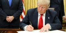Donald trump signe un premier decret presidentiel sur l'obamacare