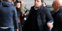 Renzi remet en jeu son mandat a la tete du parti democrate