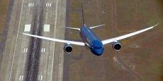 Démonstration en vol du Dreamliner, aux Etats-Unis, juste avant le Paris Air Show 2015